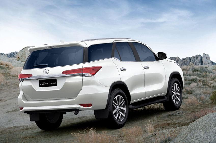 Toyota Fortuner Luxury Car Hire Rental Services Jaipur Rajasthan