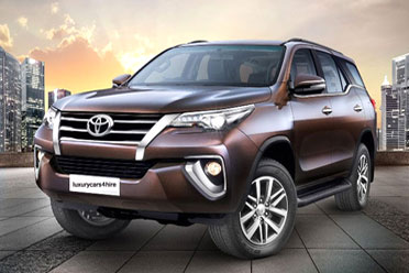 Toyota Fortuner Luxury Car in Jaipur